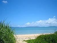 小浜島のトゥマールビーチ - めちゃくちゃ遠浅です