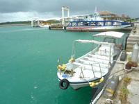 小浜島のマリンサービス光 - ツアーボート