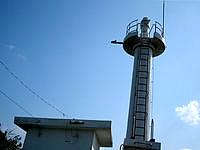 小浜島の細崎の灯台 - 道路側からだと近くまで行けます