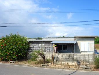 小浜島の美ら島のめしや さとうきび「小浜集落と小浜港の間にあるお店は健在です」