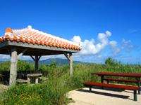 小浜島の西大岳展望台/ちゅらさんの碑 - 大岳より立派な展望台