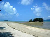 屋我地島の屋我地ビーチ - お金を払ってまでいくビーチ???