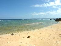 古宇利島の渡海浜/トケイ浜 - 海は遠浅気味で泳ぐにはイマイチかも?