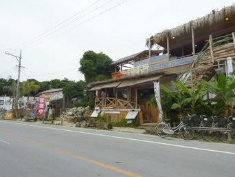 古宇利島のカフェYOSHIKA/海の駅(2階建て)