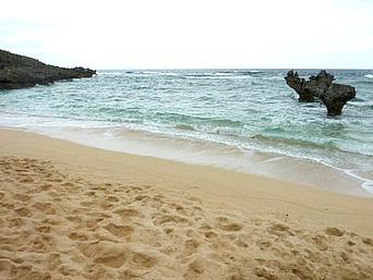 ハートロック/ハート岩/ティーヌ浜