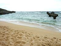古宇利島のハートロック/ハート岩/ティーヌ浜
