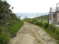 古宇利島のハートロック/ハート岩/ティーヌ浜 - 以前はこの道で自由に往来できたのですが