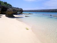 久高島のイラブーがま/港近くの浜