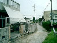久高島の久高集落 - 商店もしっかりあります