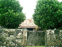 久高島の久高集落 - 久高島の家は味があります