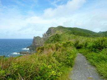 久米島のトゥクジム/トクジム自然公園/鳥の口遊歩道/島尻崎「鳥の口が望める遊歩道」