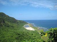 久米島の阿嘉のひげ水 - 下って行った先にも関わらず景色がいい