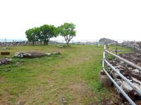久米島の宇江城城跡 - きれいな石積みの城壁がいい感じ