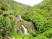久米島のタチジャミの滝 - 段爆でかなりの長さあり