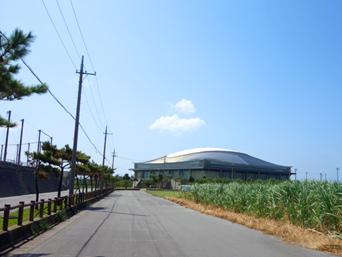 久米島の久米島野球場/ホタルドーム「楽天のキャンプが決まってから整備されました」