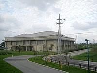 久米島の久米島野球場/ホタルドーム - ホタルドームは屋根の一部が膜構造