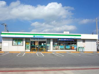 久米島のファミリーマート久米島イーフビーチ前店(旧ココストア・旧ホットスパー)「イーフビーチ近くにあるまさに便利なコンビニ」