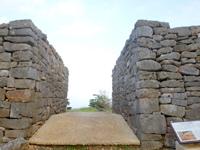 久米島の具志川城跡 - 城趾の中は緑に溢れています