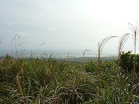 久米島のだるま山 - ここが山の頂上なのですが・・・