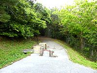 久米島のだるま山園地 - 実質的な入口