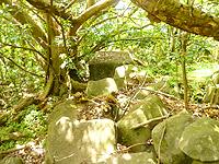 久米島の塩原城跡 - これが城跡?単なる岩の崩落??