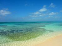来間島の長間浜 - 潮が引いているときの方がここはおすすめ