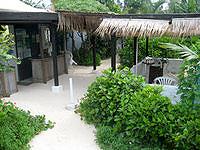 来間島のカフェパニパニ/PANIPANI - 丘の上にあるけどビーチっぽいお店