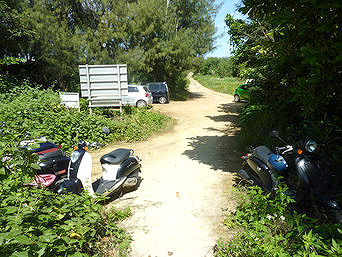 来間島の長間浜南駐車スペース