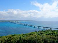 来間島の来間東農村公園/展望台 - 来間大橋はここが一番よく望める