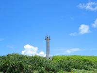 黒島の黒島南端の海 - 灯台はかなりしょぼい(笑)