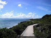 黒島の仲本海岸〜宮里海岸の遊歩道