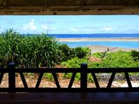 黒島の仲本海岸の吾妻屋 - ここから見る景色もひと味違って良い