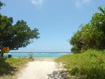 黒島の宮里海岸「仲本海岸ほど混雑しないのでのんびりできます」