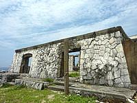 南大東島の旧ボイラー小屋 - 石積の雰囲気がいい感じ