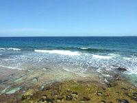 南大東島の本場海岸 - 荒々しい海がすぐ近くに!?