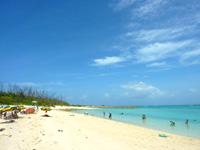 水納島の水納ビーチ - ビーチはそんなに広く無い