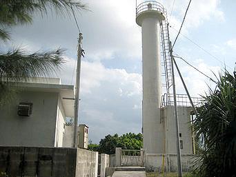 水納島の水納島灯台