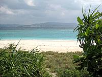 灯台先のビーチ