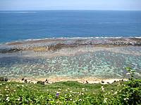 宮古島の比嘉ロードパーク - かなりの高台なので海を見下ろす感じ