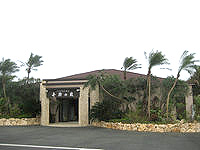 宮古島のシギラ天然温泉 奇跡の泉 - 新しいので施設はキレイ