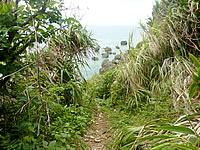 ティダガーへ下りる崖