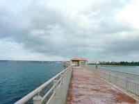 トゥリバー防波堤