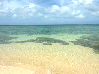 宮古島の真謝海岸「透明度抜群の宮古島東岸の海」
