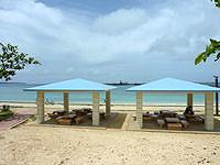 宮古島のパイナガマビーチ - 吾妻屋があります