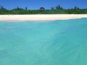 与那覇前浜の海の色