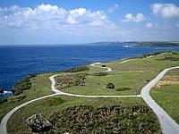 宮古島の平安名崎灯台 - 灯台上から西を見ます