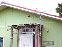宮古島のまなつのスパイスカフェ 茶音間 - ツアーショップの看板はあるけど廃墟的