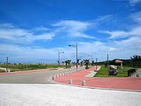 宮古島のトゥリバー海浜公園 - ここへ行く道だけやたらキレイ