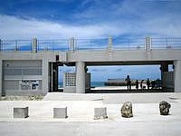 宮古島のトゥリバー海浜公園 - ビーチには施設がありますが・・・