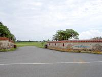 宮古島のオーシャンリンクス宮古島/クラブハウス - 県道からの入口は以前と変わらず